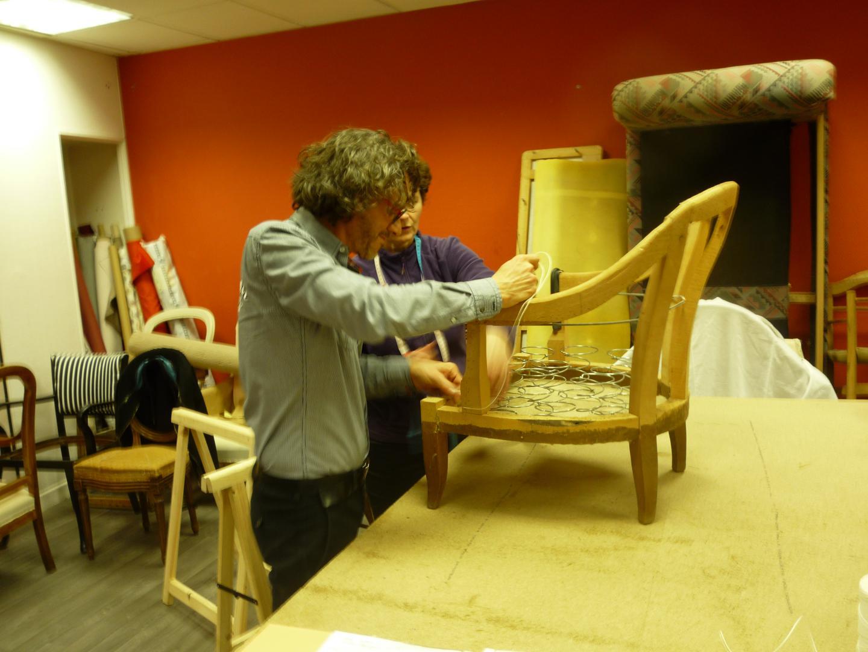 stage de tapisserie apprendre refaire son fauteuil. Black Bedroom Furniture Sets. Home Design Ideas